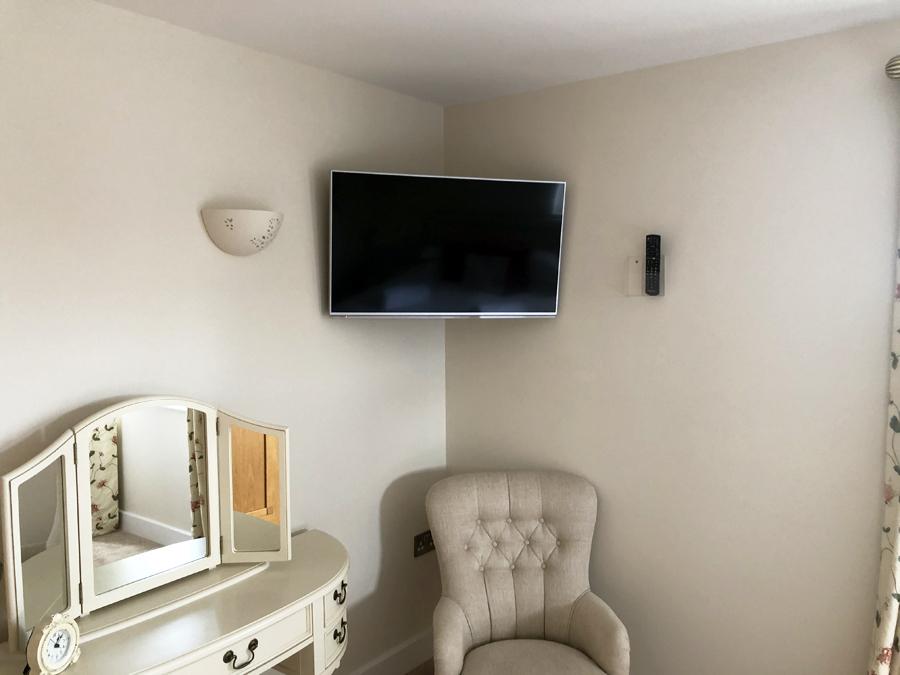 Flat Screen TV installation Somerset